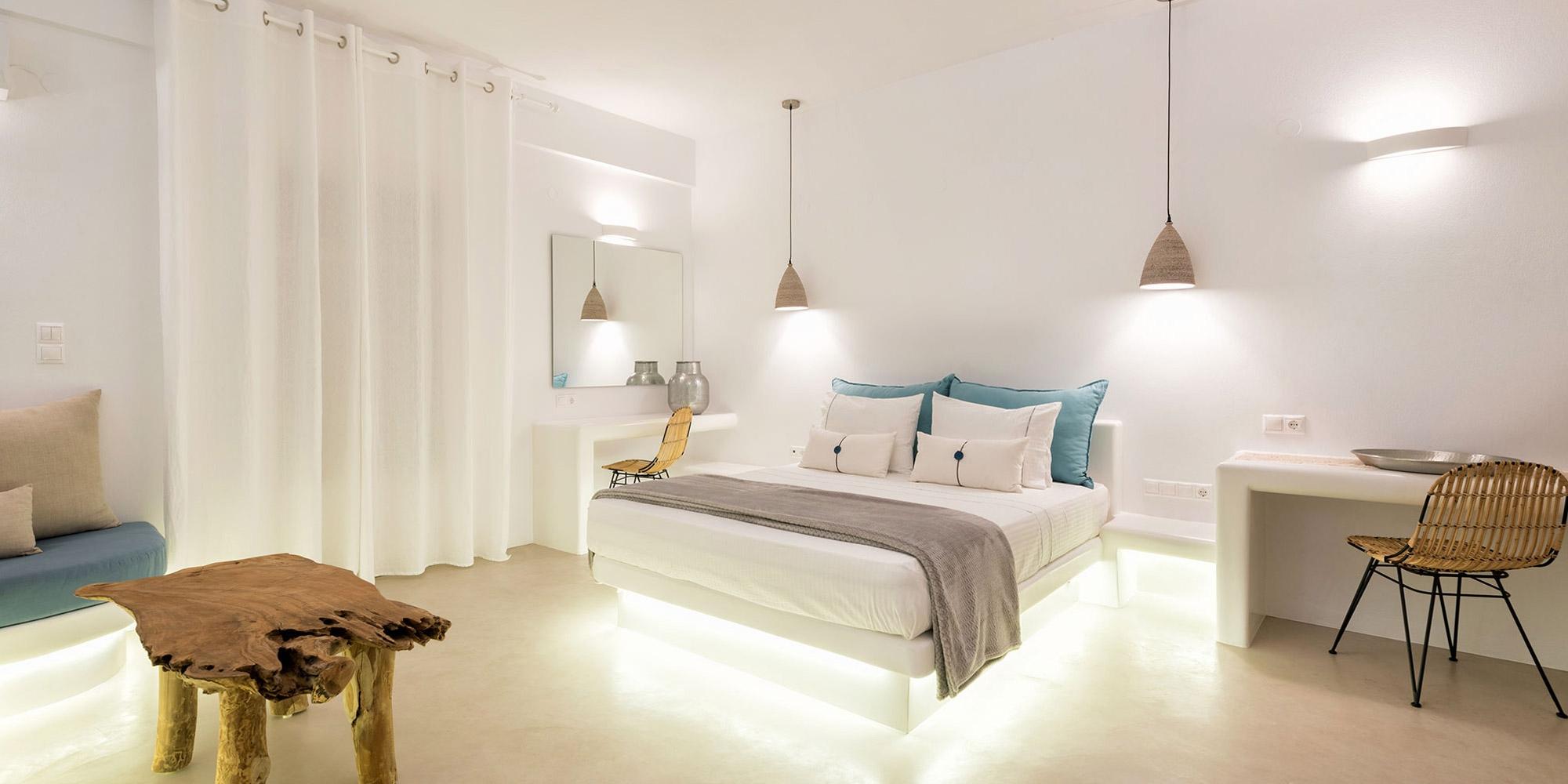 Exclusive suite con vista mare e piscina privata jacuzzi paros alberghi suites alloggio - Suite con piscina privata ...